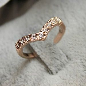 Jewelry - Lab created diamond studded V-shaped 6.25  ring